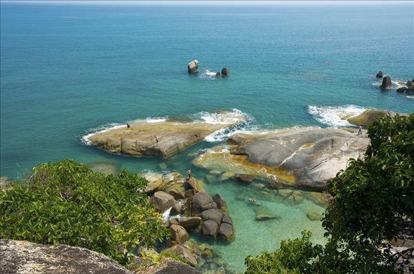 拉迈海滩位于苏梅岛的东海岸,查武恩海滩以南10公里,可以从查汶海滩