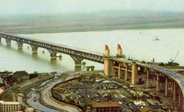 南京长江大桥长度_南京长江大桥位置_南京长江大桥宽度