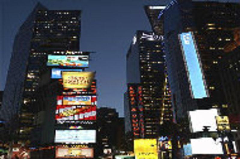 纽约还有着象征着美国自由民主的自由女神像