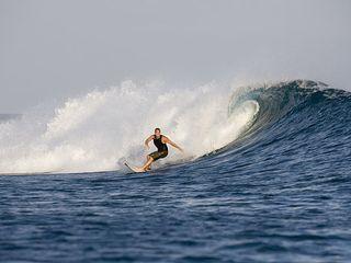 马尔代夫冲浪
