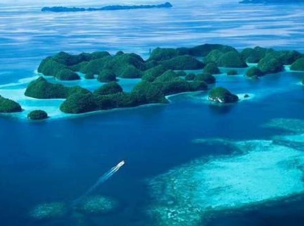 泰国普吉旅游_诗情画意_泰国诗情画意普吉旅游    美丽的普吉岛位于