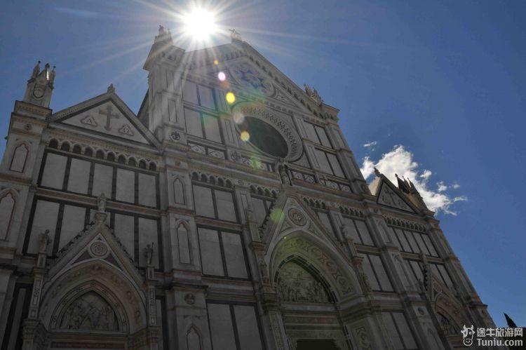 尼斯本岛,参观圣马可教堂、叹息 之后驱车前往米兰,参观米兰大教图片