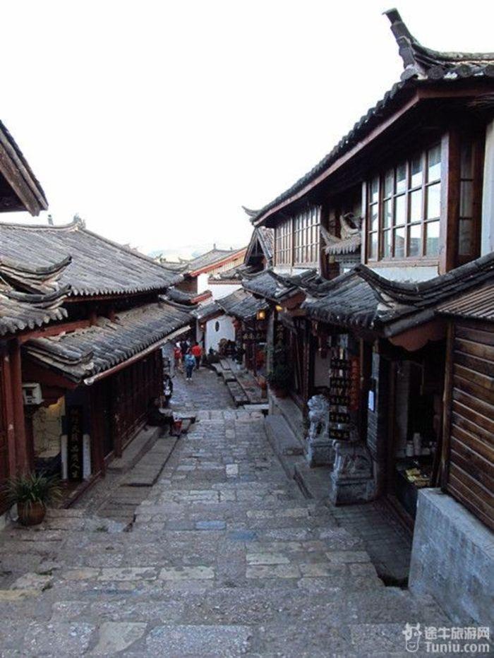 【云南旅游攻略】仙剑之南---丽江,大理,香格里龙潭攻略彩云图片