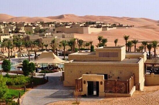 阿布扎比沙漠酒店坐落于阿拉伯聯合酋長國首都阿布扎比的西北部海岸圖片