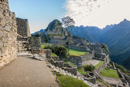 <南美五国风情之旅-巴西-阿根廷-秘鲁-智利-乌拉圭24日游>18人纯玩无购物/复活节岛/2国看瀑布/含Nazca小飞机/送wifi/含小费