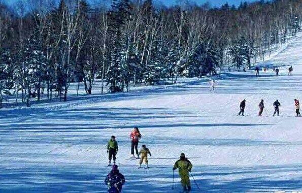 大连冬天滑雪介绍_大连冬天滑雪场地_大连冬天滑雪哪个地方好