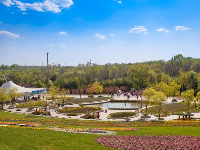沈阳世博园位于风景秀丽的沈阳棋盘山国际风景旅游开发区,占地246