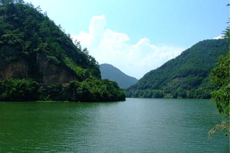 <杭州-瑶琳巴士2日游>领略西湖、瑶琳仙境之美