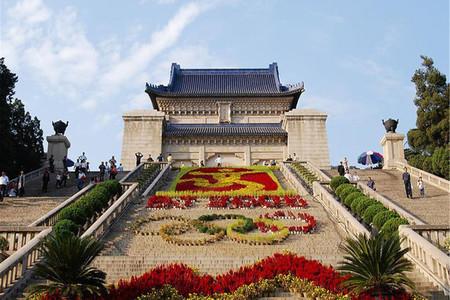 <苏州-扬州-南京3日游>?#23458;?#26080;购物,游狮子林,虎丘斜塔,瘦西湖,传承古都文化精神,高铁返苏州