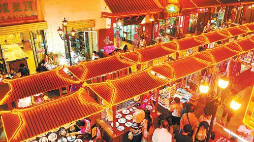 温馨提示: 敦煌沙洲夜市----是甘肃著名的小吃一条街,您可以在这里图片