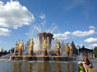 莫斯科加圣彼得堡飞机往返8天7晚游> 冬宫 夏宫花园图片