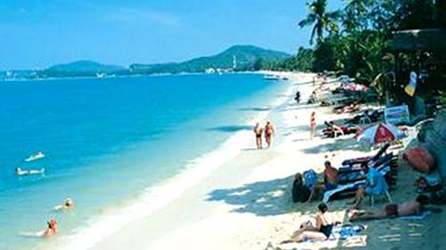 查汶海滩:查汶海滩位于苏梅岛东海岸的查汶湾,整个沙滩呈新月型,拥有