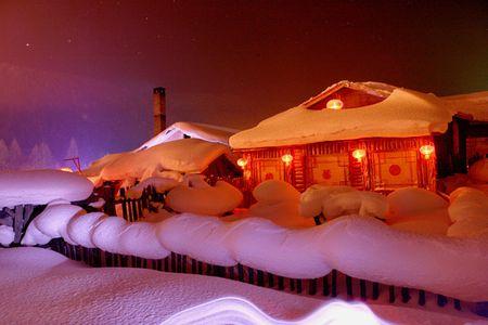 <雪乡汽车2日游>哈尔滨起止 无自费无购物 含雪地摩托登山、梦幻家园影视基地、冰雪画廊穿越、观二人转,畅玩雪乡 无忧之旅