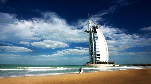 <迪拜-阿布扎比-沙迦6日游>5678住宿/亚特/帆船/皇宫/亚特晚餐/水世界 出入关有领队、免费升级境外2到9人VIP小团单独接待
