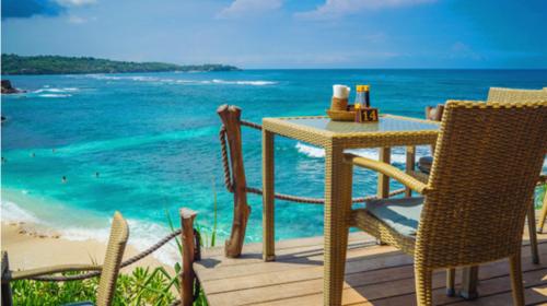 巴厘岛4晚6日游>出海蓝梦,享一晚蓝梦海边别墅,东航直飞