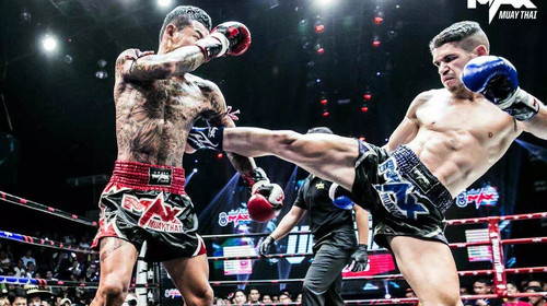 但只有到过泰国的人知道,芭提雅的max泰拳,几乎人妖齐名,重量级泰国