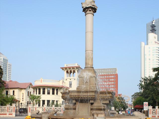 天津意风区马可波罗广场上的和平女神雕像