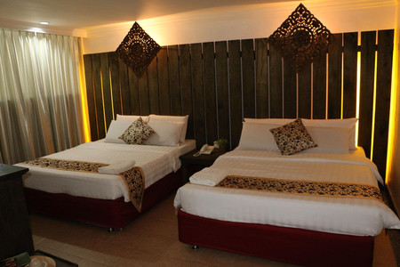 伊格尔湾酒店
