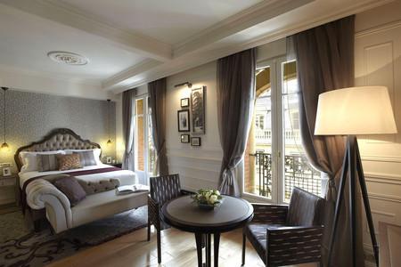 巴黎卢浮宫馨乐庭酒店
