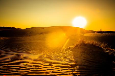 <宁夏银川-腾格里大漠-沙漠露营-张裕摩赛尔酒庄-中卫-沙坡头3日游>2人起订小包团纯玩0购物星空帐篷沙海日出赠送****小时骆驼骑行体验