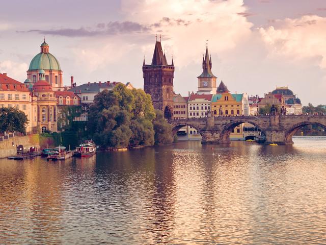 <捷斯匈奧德法8晚9日游>巴黎集散、布達佩斯、海德堡城堡、浪漫古堡之旅、布拉格廣場、美泉宮、霍夫堡皇宮、漁人堡、米拉貝爾花園(當地參團)