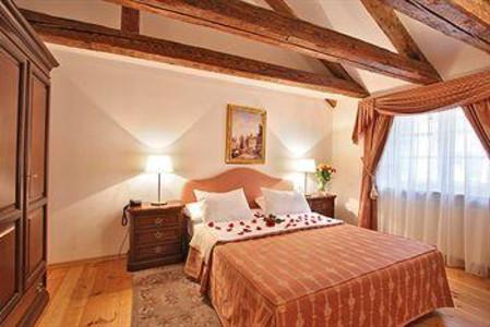 里特佐瓦居住酒店