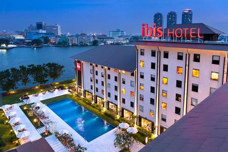 曼谷宜必思河滨酒店