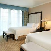 比佛利山区广场温泉酒店图片