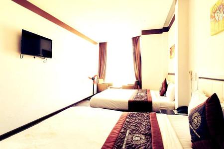 布朗槟 2 号酒店