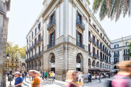 多雷埃尔广场酒店