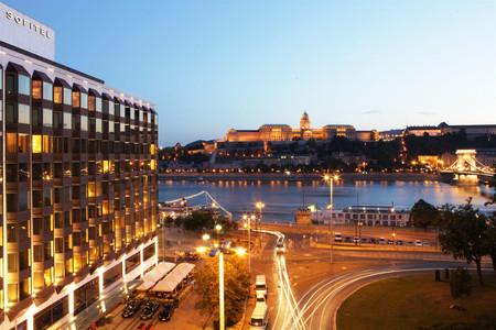 布达佩斯链桥索菲特酒店