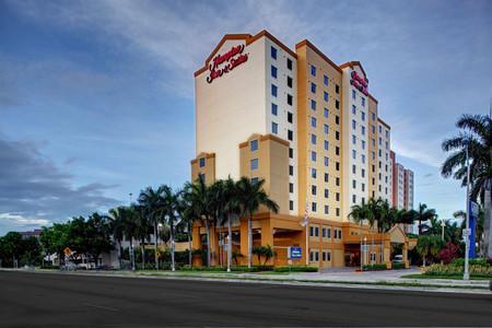 迈阿密机场南 - 蓝礁湖恒庭套房酒店