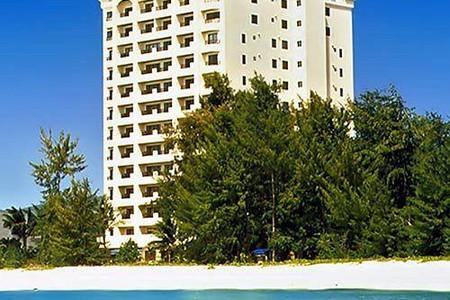 陶尔水瓶海滩塔酒店