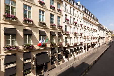 巴黎卡斯蒂尔酒店