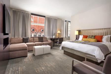 多纳特罗酒店