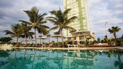 岘港海滩融合套房酒店