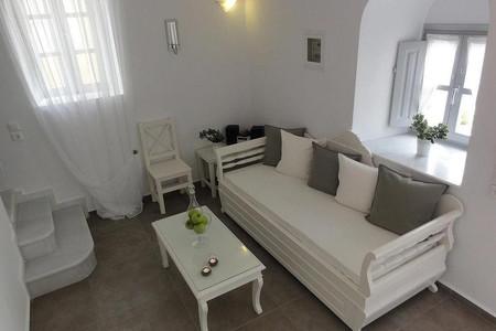 圣托里尼阿宏提科公寓酒店