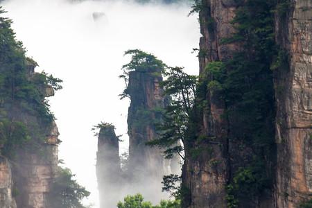 <袁家界-杨家界-金鞭溪-张家界大峡谷+大峡谷玻璃桥-天门山2日游>