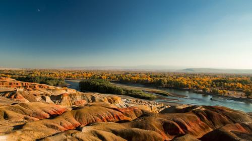 新疆五彩滩+喀纳斯+白沙湖+185团+天山天池+吐鲁番+火焰山+坎儿井双卧12日游
