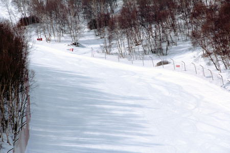 <张家口滑雪+丰宁大滩+木兰围场+坝上雪乡+乌兰布统5日游>此线路单次报名人数需5人以上,不接受5人以下报名,不用再远去东北滑雪