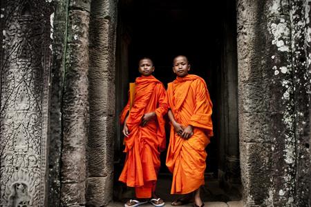 <柬埔寨吴哥-金边6或7日游>升级1晚暹粒泳池酒店、世界奇迹大小吴哥窟、柬式按摩、歌舞表演、西哈努克皇宫、一天自由、自助、歌舞表演