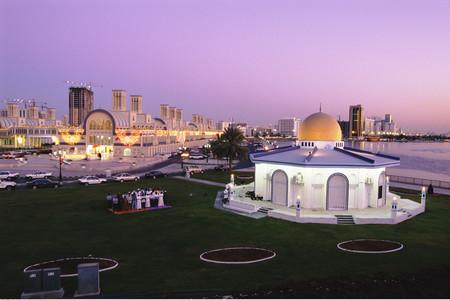 [国庆]<迪拜-阿布扎比6日游>深圳起止直飞往返,12人小团,法拉利公园,观678星酒店,3D水幕秀,单轨游棕榈岛,哈利法塔,单人可拼房