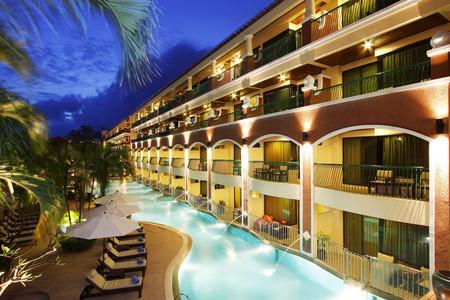 普吉卡伦海沙滩温泉渡假酒店