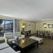 圣佩德罗希尔顿逸林酒店图片