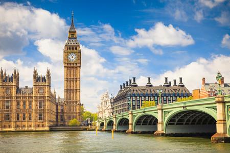 [春节]<欧洲英国一地8-10日游>往返直飞,B线无自费,WIFI,双学府,双城堡(部分),温德米尔湖,大英博物馆,鱼薯餐,购物村,自由伦敦