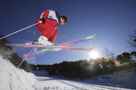 <营口兴辰温泉-虹溪谷滑雪场2日游>戏雪泡汤,体验别样的冬日风情