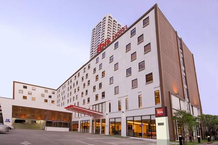 曼谷宜必思娜娜酒店