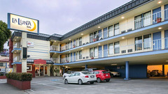 月神 C-Two 酒店