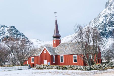 [春节]<芬兰+冰岛11日游>20人全含,极光木屋,黄金圈,蓝冰洞,蓝湖温泉,雪地摩托车,狗拉雪橇,驯鹿庄园,圣诞老人,特色餐,wifi
