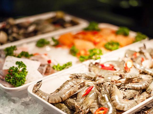 芽莊五星洲際酒店自助海鮮晚餐